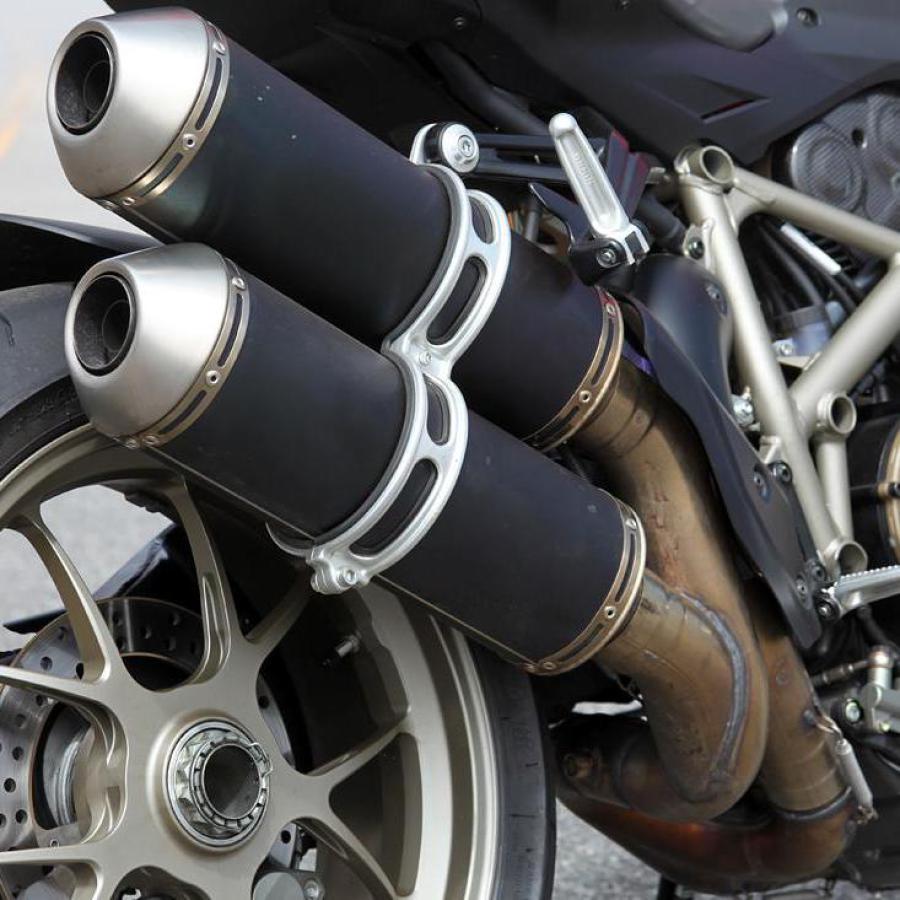 Ducati Einarmschwinge Reifenmontage